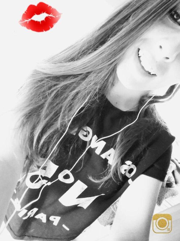 il faut toujours viser la lune, parce qu'au moin si vous échouez vous finissez dans les étoiles. 💫