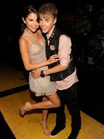 JELENA AU TEEN CHOICE AWARD 2011