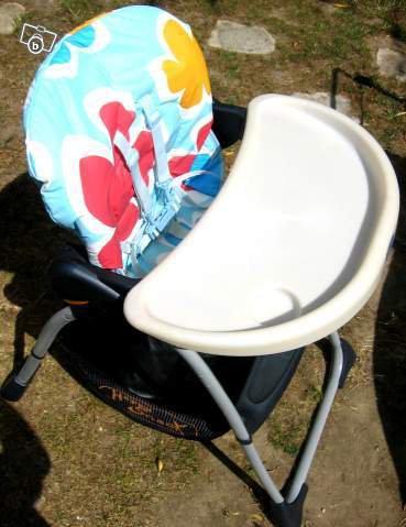 chaise haute chicco happy snack avec son sac 45 blog de hellokitty57410. Black Bedroom Furniture Sets. Home Design Ideas