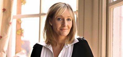 La creatrice de ce monde magique .. Joanne Rowling.