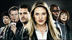 Zoom sur la superbe série Fringe, série télévisée américaine bien aimer par le public ! J'ai adorer regarder les 1er saison, mais j'avoue n'avoir plus regarder car bien trop de mal a suivre après avoir louper quelques épisodes !