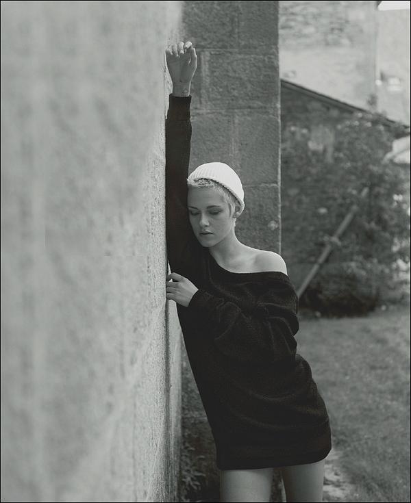 2017  Photoshoot de Kristen Stewart pour la marque chanel, Magazine ELLE !
