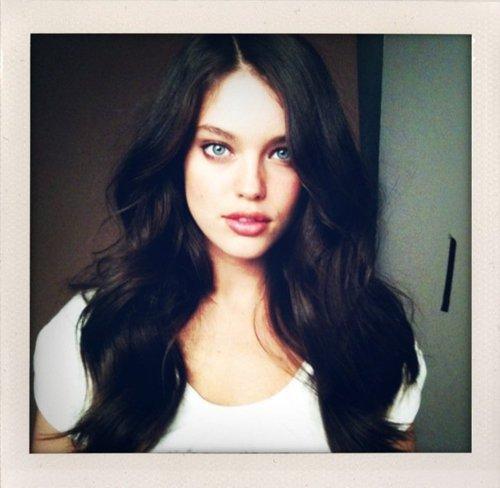 personnage14:Elena Peazer