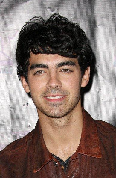 personnage21:Joe Jonas