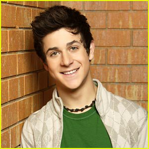 personnage24:David Henrie