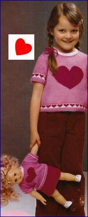 """Pulls """"coeur"""" pour elle et sa poupée."""