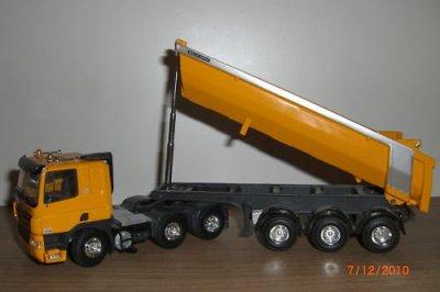 tekno camion daf avec sa benne meiller