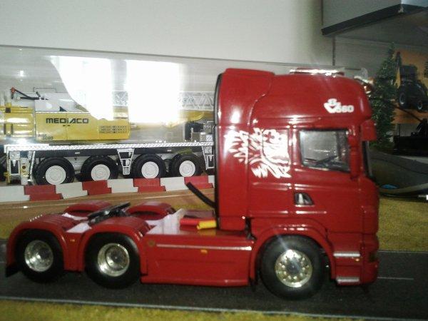 Scania R6 Topline 6x2 Rouge