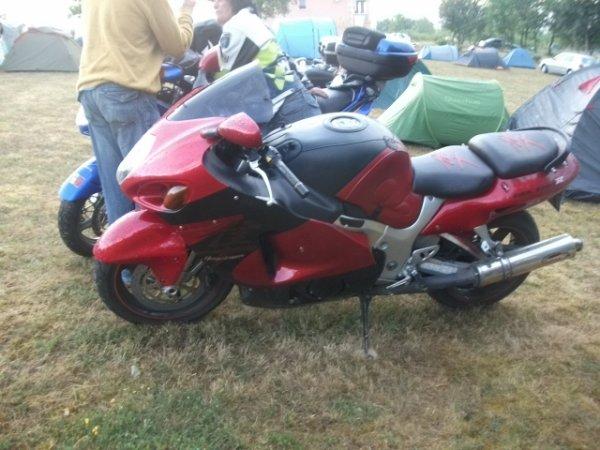 et quelque moto