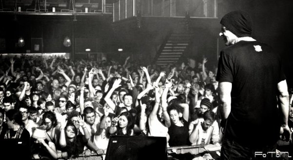 Live, live, live & live ! (Les concerts c'est toute ma vie )