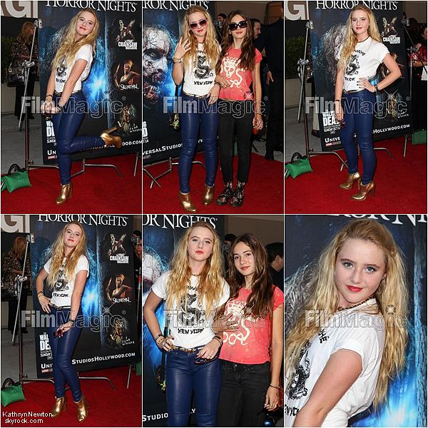 Kathryn et sa meilleure amie a la soirée Horror Night le 21 septembre 2012 a Los Angeles.