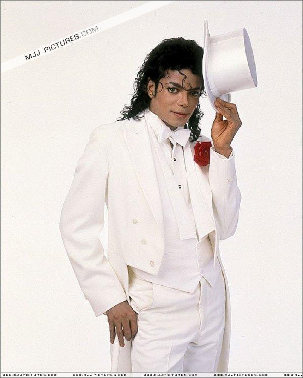 '' Bonjour, je suis Michael et je suis accro aux drogues '' par Robert McGibbon ( Cure de désintoxication 1993 )