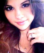 Selena et toujours Selena <3