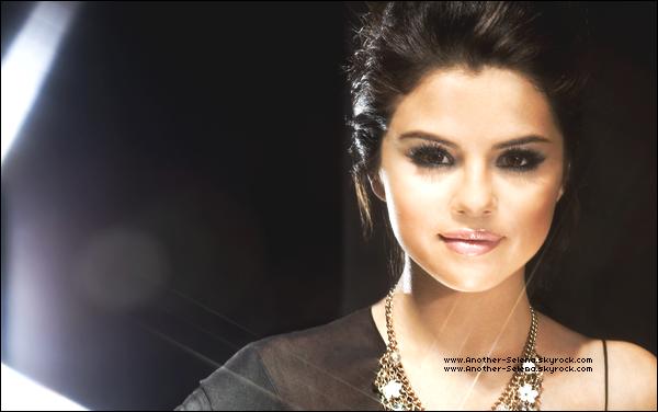 """● Photoshoot ~ A Year Without Rain (09 Septembre) 2 nouvelles photos provenant du photoshoot de Selena pour son single """"A Year Without Rain"""" ! Ces photos ne sont elles pas magnifiques ?"""