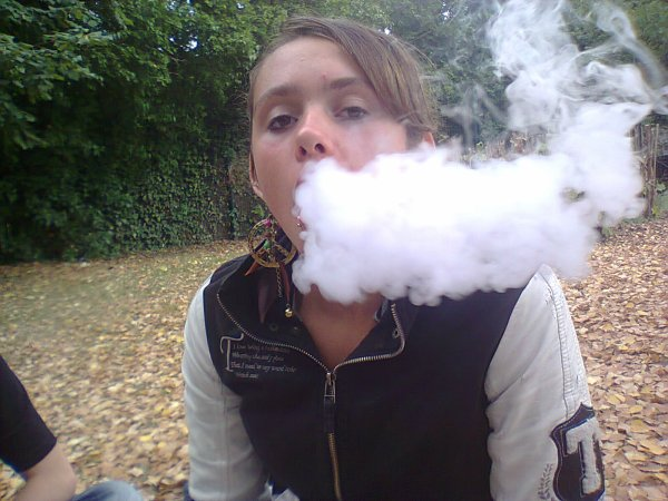 Fume la vie avant qu'elle te fume (a)
