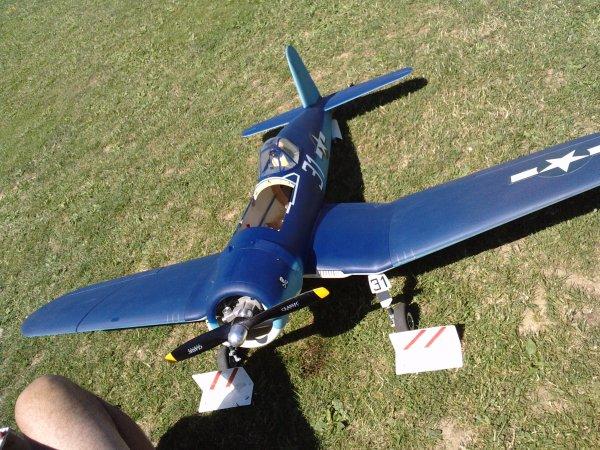 Chance Vought Corsair F4U-1D au Club sous le soleil:..
