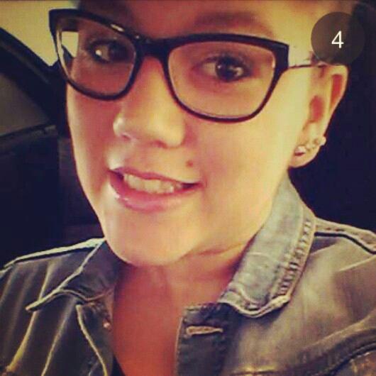 Ajoutez : instagram : xcecilioux / snapchat :ceciliou21 ♥
