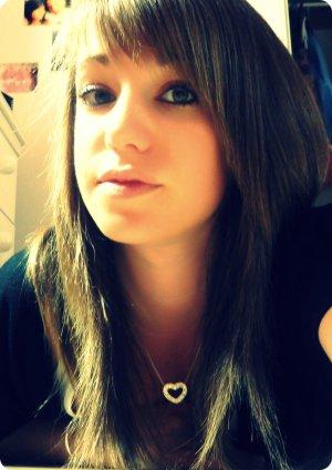 T'aimer c'est si facile, te trahir si difficile, t'oublier c'est impossible (/)