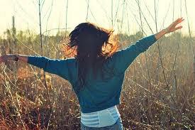 je t'ai ouvert les bras et sans le vouloir en même temps je t'ai ouvert le coeur..