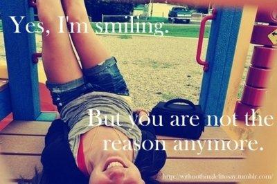 Et oui, j'ai cette mauvais habitude de sourire même quand je suis malheureuse.