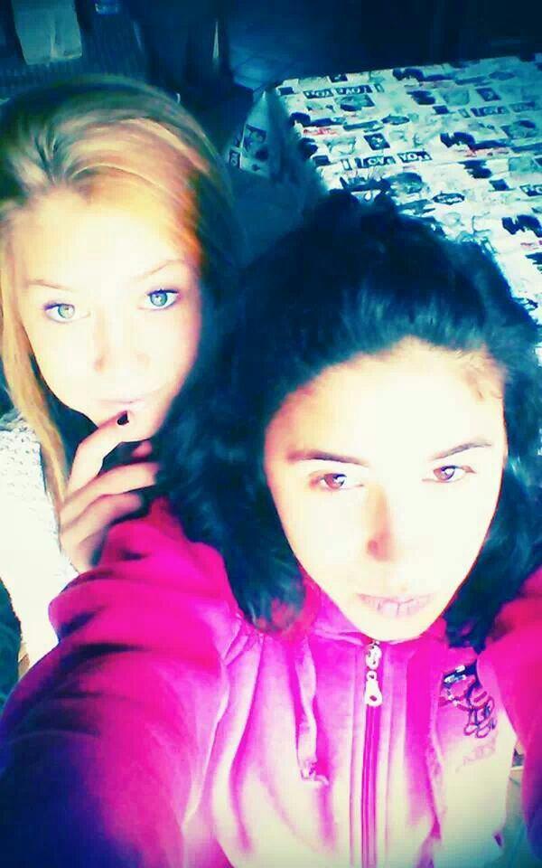 Ma meilleure amie ! Ma vie♥♥♥♥ Ps: je suis à gauche ;) ♥
