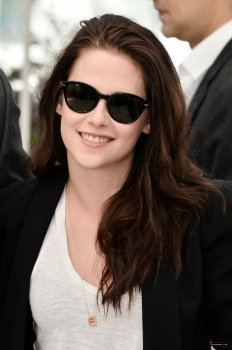 Kristen Stewart a Cannes le 23/05/12 suite