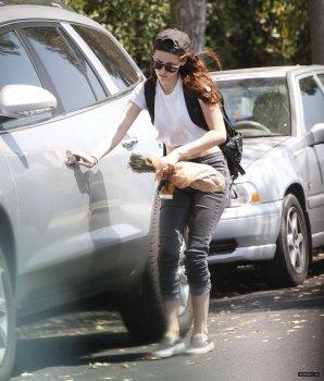 100% News ! Kristen Stewart apperçu le 20 aout  a Los Angeles