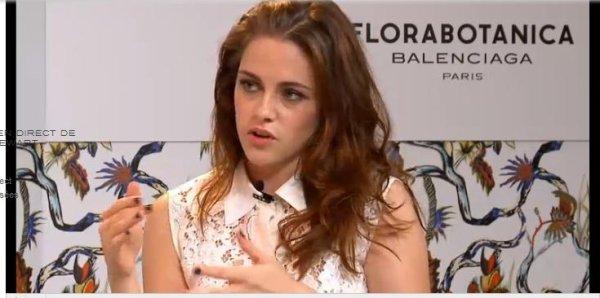 Kristen Stewart interview Balenciaga  live- direct le 18 Octobre !