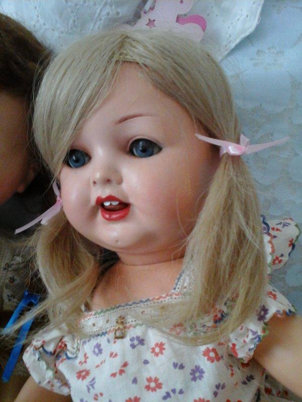 LES PAPILLONS ROSES ! ou la nouvelle coiffure de Madeleine !
