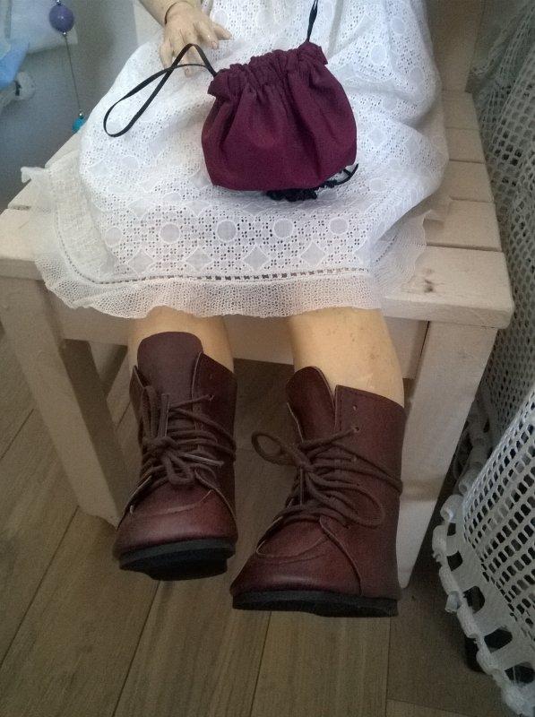 Des bottes pour Any-Candy et des baskets pour Ambroisine !