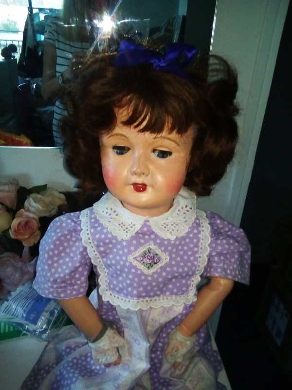 Louise  chez le coiffeur ! et la poupée magique !