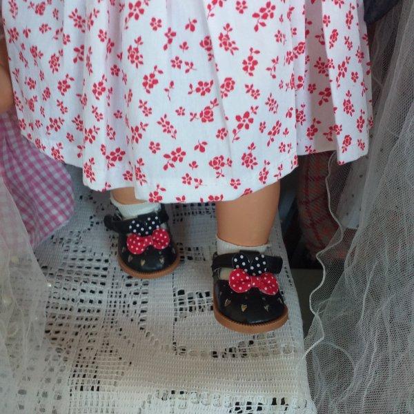Des petites chaussures achetées en Chine !