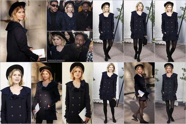 - _ 21/01/20: Clemence Poesy a assisté au  défilé de la maison Chanel à l'occasion de la Fashion Week de Paris .   C'est au défilé Chanel que nous retrouvons notre jolie Clémence pour sa première sortie de l'année . Côté look, c'est un énorme top pour Clémence -