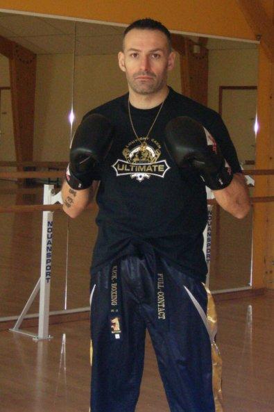 Stage de Kick boxing Light et passage de ceintures noires full contact 1/2/3 degré 20/03/11  à Caen