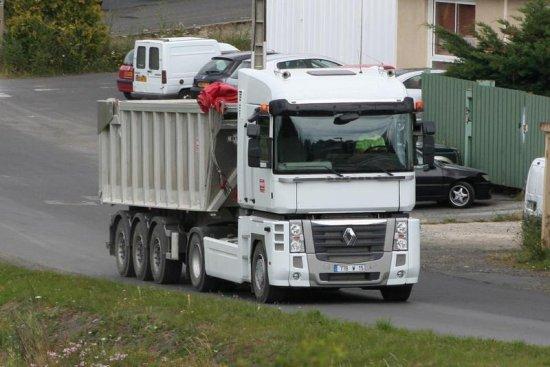 les camions dans mon pays cantal 15