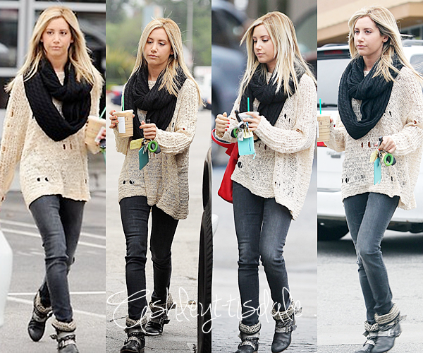 -27 Novembre : Ashley et son amie on été vue sortant d'un salon de coiffure dans West Hollywood . -29 Novembre : Ashley a été aperçu sortant d'un Starbucks coffee dans LA .