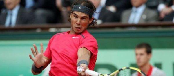 Rafael Nadal, roi de la terre battue victoire de Roland GARROS le 11 juin 2012 premier joueur de l'histoire a avoir remporté 7 fois Roland GARROS