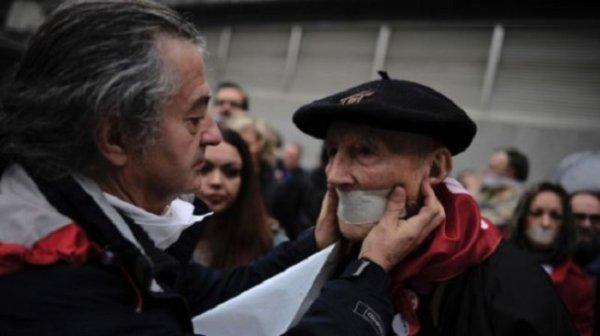 Des milliers d'Espagnols manifestent contre les nouvelles lois sur la « sécurité » source presse TV 21.12.2014