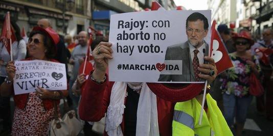 L'Espagne renonce à son projet de loi sur l'avortement Le Monde.fr avec AFP | 23.09.2014 à 14h44 • Mis à jour le 23.09.2014 à 18h43