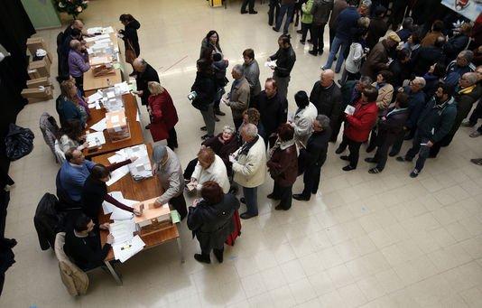 Des élections législatives à suspense en Espagne Le Monde.fr avec AFP | 20.12.2015 à 13h34 • Mis à jour le 20.12.2015 à 17h50