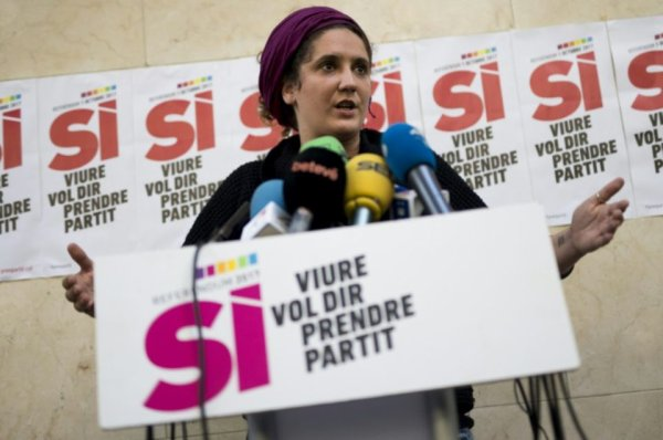 Catalogne: Les «comités de défense du référendum» prêts à prendre la rue Par AFP — 15 octobre 2017 à 16:46 (mis à jour à 17:25)