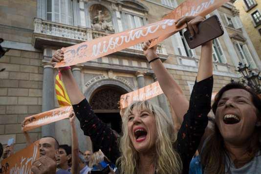 Déclaration d'indépendance de la CATALOGNE avant la mise sous tutelle du gouvernement espagnol vendredi 27.10.2017.