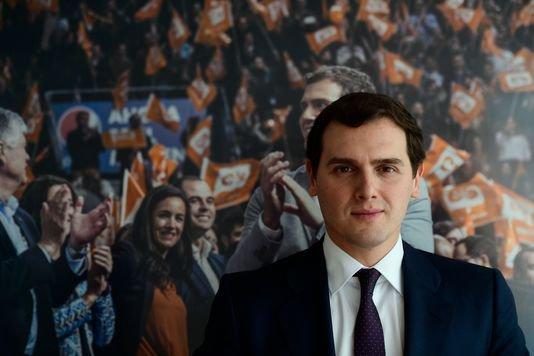 En Espagne, « le gouvernement Rajoy est paralysé » Pour le président de Ciudadanos, Albert Rivera, « le projet du parti populaire s'épuise » et le gouvernement « est responsable de l'échec de ce qui s'est passé en Catalogne ».  LE MONDE | 23.02.2018 à 17h52 | Propos recueillis par Sandrine Morel (Madrid, correspondance)   En savoir plus sur http://www.lemonde.fr/europe/article/2018/02/23/en-espagne-le-gouvernement-rajoy-est-paralyse_5261727_3214.html#EoxQEqh7sJuFMLK8.99