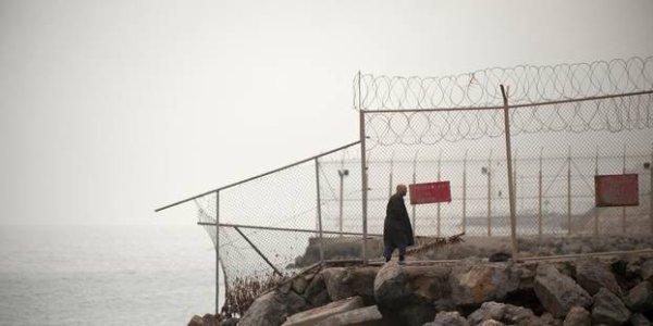 ACCUEIL  INTERNATIONAL Ceuta : 600 migrants franchissent la clôture frontalière, des violences  12h34, le 26 juillet 2018, modifié à 16h45, le 26 juillet 2018