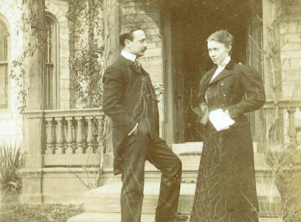 Joaquim CARVALLO jeune médecin espagnol, et son épouse Ann COLEMAN héritière de grands sidérurgistes américains achètent et restaurent le château de Villandry en Touraine
