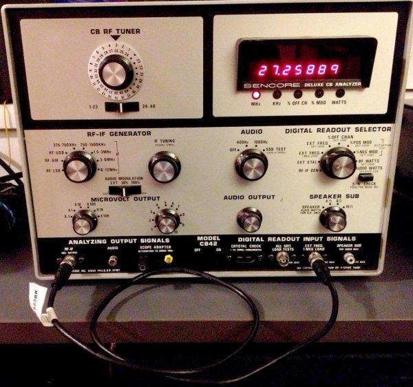1977 SENCORE CB42 DELUXE 40-CHANNEL CB RADIO Analyzer compteur de fréquence AVEC BOX