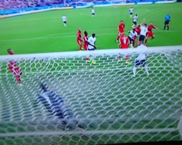 avant le match j'ai dit a mon fils on va  Gagner 4 A 2   on a fait mieu 5 a 2  LA FRANCE un match de coupe du monde offensive défensive et collectif des vrais spartiate on a fait honneur  Stade Maracanã
