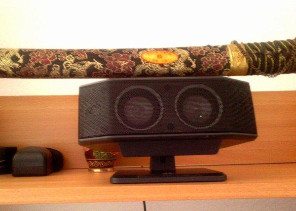 Logitech X-530 5.1 Surround Sound Speaker System ....La GameSurround Muse Pocket USB....le home cinéma ce mon fils qui me l'avait donné il na vous les plus et la carte son Hercules 5.1 le l'avais acheté quand il y avait solde chez carrefour 15 euro... don que jais installer tout ça cette après midi dur dur avec mon dos je suis trais fatigue mai je les fais pas le choix quand il faut y aller on y vas