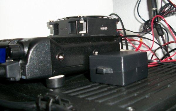 DC 12V Thermostat Thermomètre Interrupteur Module Contrôle Température Capteur... .j'ai fait des tests avec le Capteur dans ma mains jais soufflais avec ma bouche  de l'air chaud le relais se déclenche et le ventilo se mi a tourné  don que ca fonctionne parfaite m'en  un fois que cela refroidit le relais fais sons   travaille  il coupe le ventilo