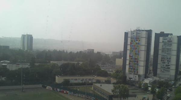 voila  quand il pleut sur la belle ville de NICE  Ouest  en pleine rénovation